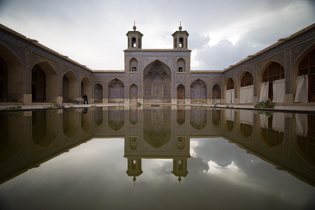 nasir-almolk-shiraz-mosque